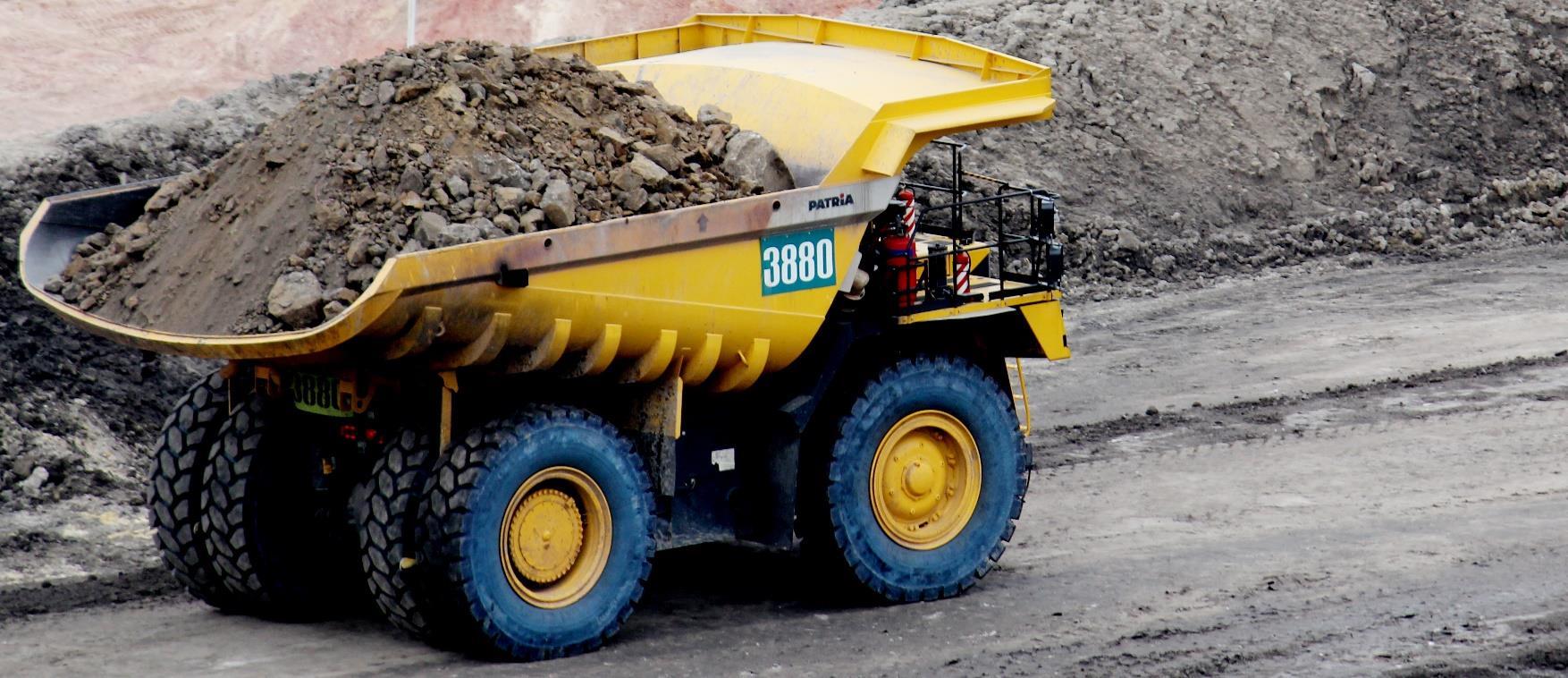 truk tambang, mobil pengangkut alat berat, harga truk tambang